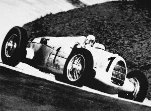 Hans Stuck - Auto Union tipo B, V16